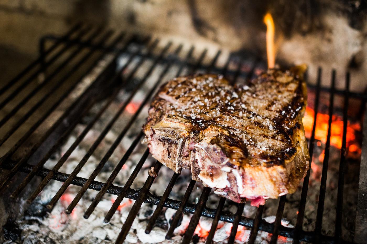 bistecca fiorentina cotta alla brace